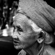 indonesia | portrait of an old lady